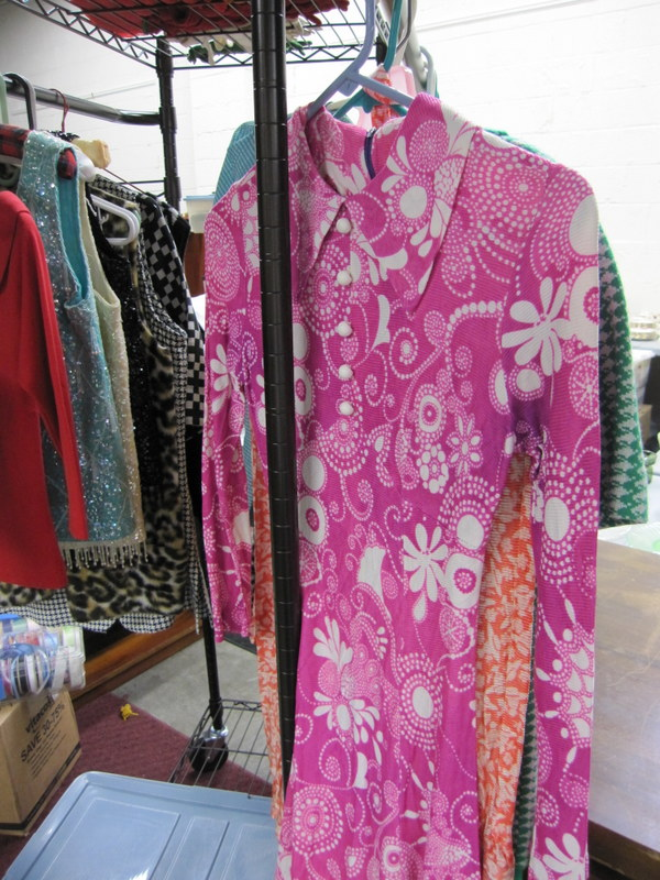 Aug_sale_pics_vintage_warehouse_2012_008